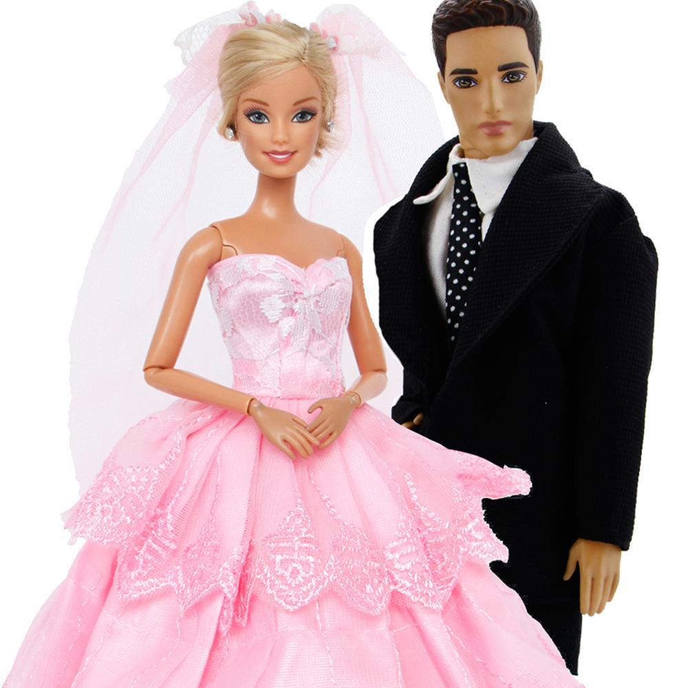 82438528fc63 2 Set Hochzeit Outfits Anzug Ballkleid Kleid mit Schleier Prinzessin  Dollhouse Zubehör Kleidung für Barbie Ken Puppe Spielzeug