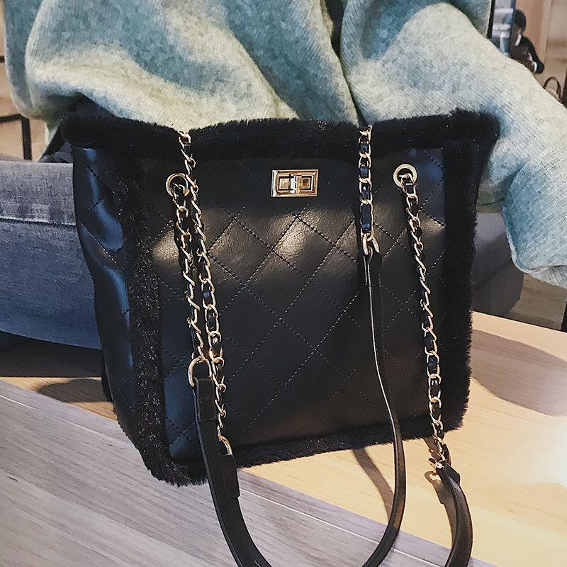 European Retro Fashion Lady Big Tote Bag 2019 New Quality Pu Leather  Stitching Plush Women S Designer Handbag Large Shoulder Bag Hand Bags  Shoulder Bags ... 3ebb6b1116ae1
