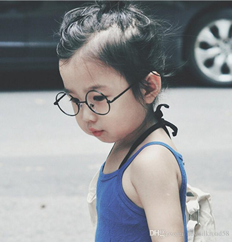 529fae8ec01ab 2019 Fashion Children Round Glasses Frame Baby Boys Girls Eyeglasses Frame  Vintage Kids Clear Lens Optical Spectacle Help With Child How Care Eyes  From ...