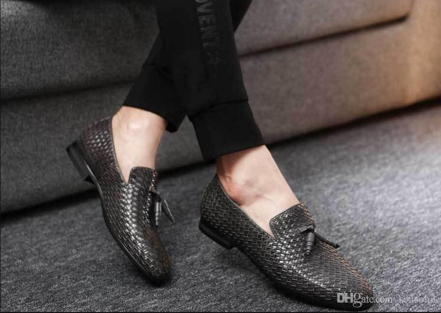 e1337076e7b Black Weaving Loafers Men Slippers Slip on Flat Moccasin Wedding Men's  Dress Shoes Genuine Leather Casual Shoes Classic