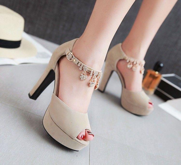 Büyük küçük boyutlu 31 32 34 42 43 44 45 46 47 lüks elmas taklidi kalın topuk platformu sandalet kadın tasarımcı sandalet gelinlik ayakkabıları