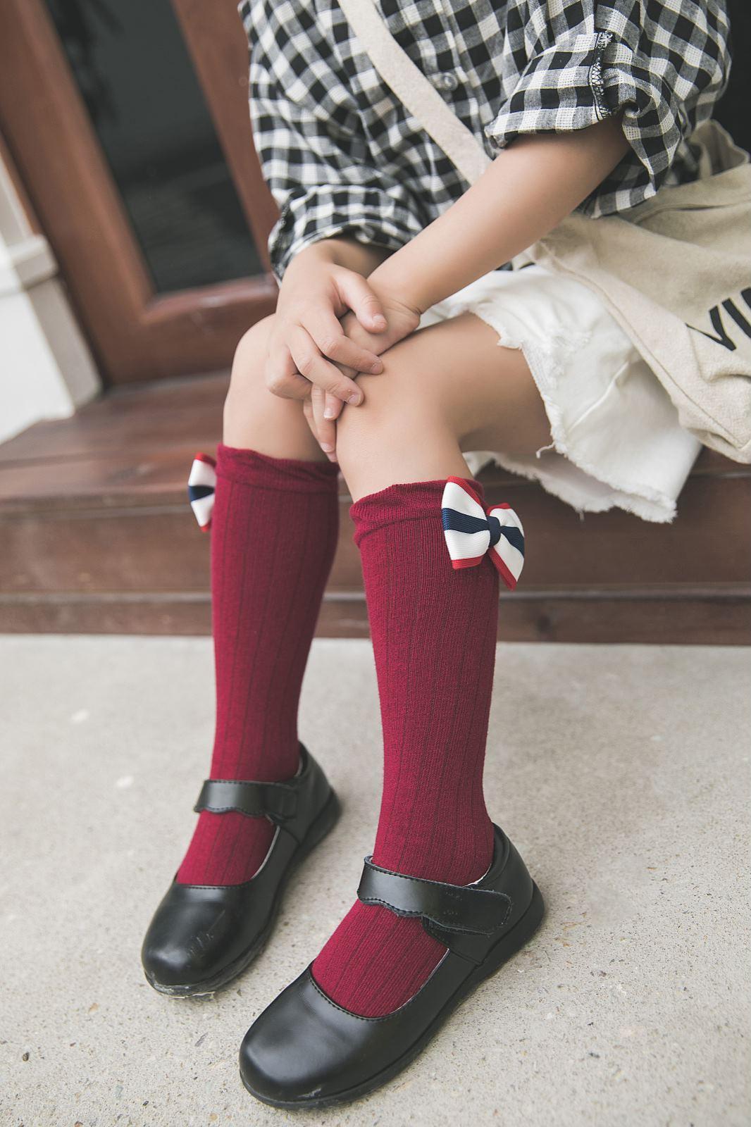 2019 Baby-Kind-Gamaschen-Socken Süße Solide Bogen Socken Cotton Kniehohe In Schlauch-Socken