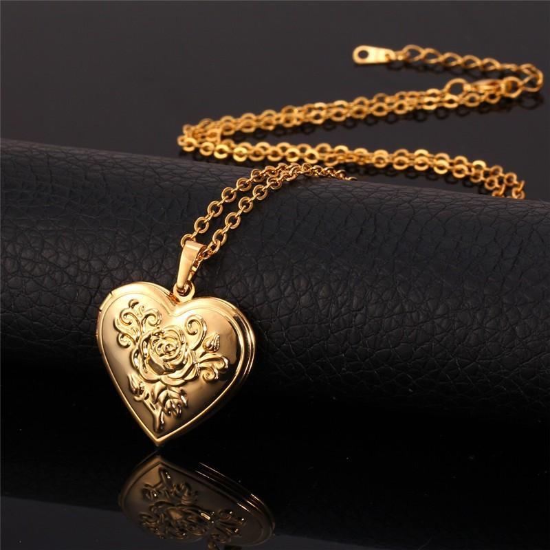 Latón metal colgante collar Locket del corazón del marco del oro Foto de memoria Collar del amor romántico para el regalo de las mujeres calientes de la venta de Navidad