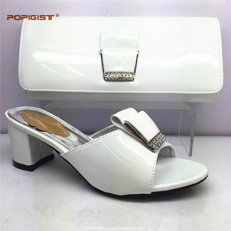 f56fc040feeca Acheter Chaussures Italiennes Blanches Avec Des Sacs Assortis Pour Mariage Italie  Chaussures De Mariage Nigérian Et Ensemble De Sacs Africains De  88.13 Du  ...