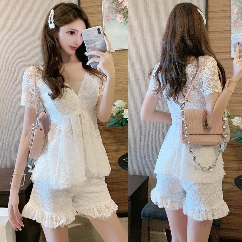 Summer Wear 2019 New Women Sexy Celebrity V Neck Lace Hollow Jacket + Lace Shorts Two-piece Pants Suit QC0286