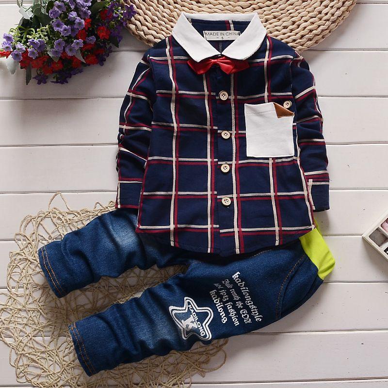 Compre Boa Qualidade Primavera Moda Bebê Meninos Roupas Set Crianças Xadrez  Conjuntos De Roupas Crianças Cavalheiro Roupas Infantil Agasalho Conjunto  De ... 7fafc6d846a