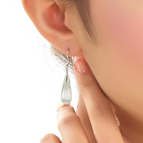 Silver plated Long Section of Female Models Opal Stud Earrings Cute Earrings Fashion Wild Super Flash Jewelry for Women 3Y006