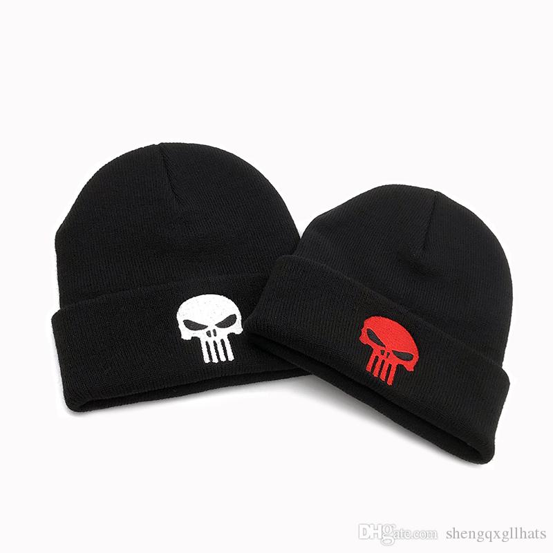 Venta al por mayor bordado calaveras negras gorra invierno cálido The Punisher cool hat hombres esqueleto Justiceiro Punisher gorro de punto adolescentes adultos niño