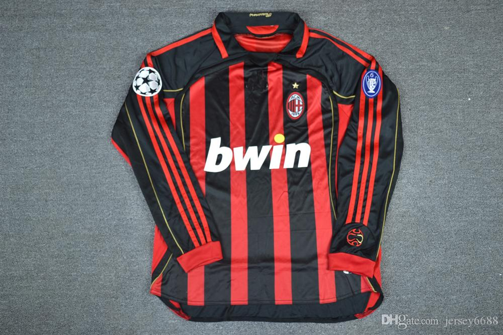 2006 2007 AC Milan Retro UCL Camiseta De Manga Larga Camiseta De Fútbol  Kaka Inzaghi Gattuso Ronaldo Pirlo Seedorf Vintage Camiseta De Fútbol Por  Jersey6688 ... 660a2e5b141b8