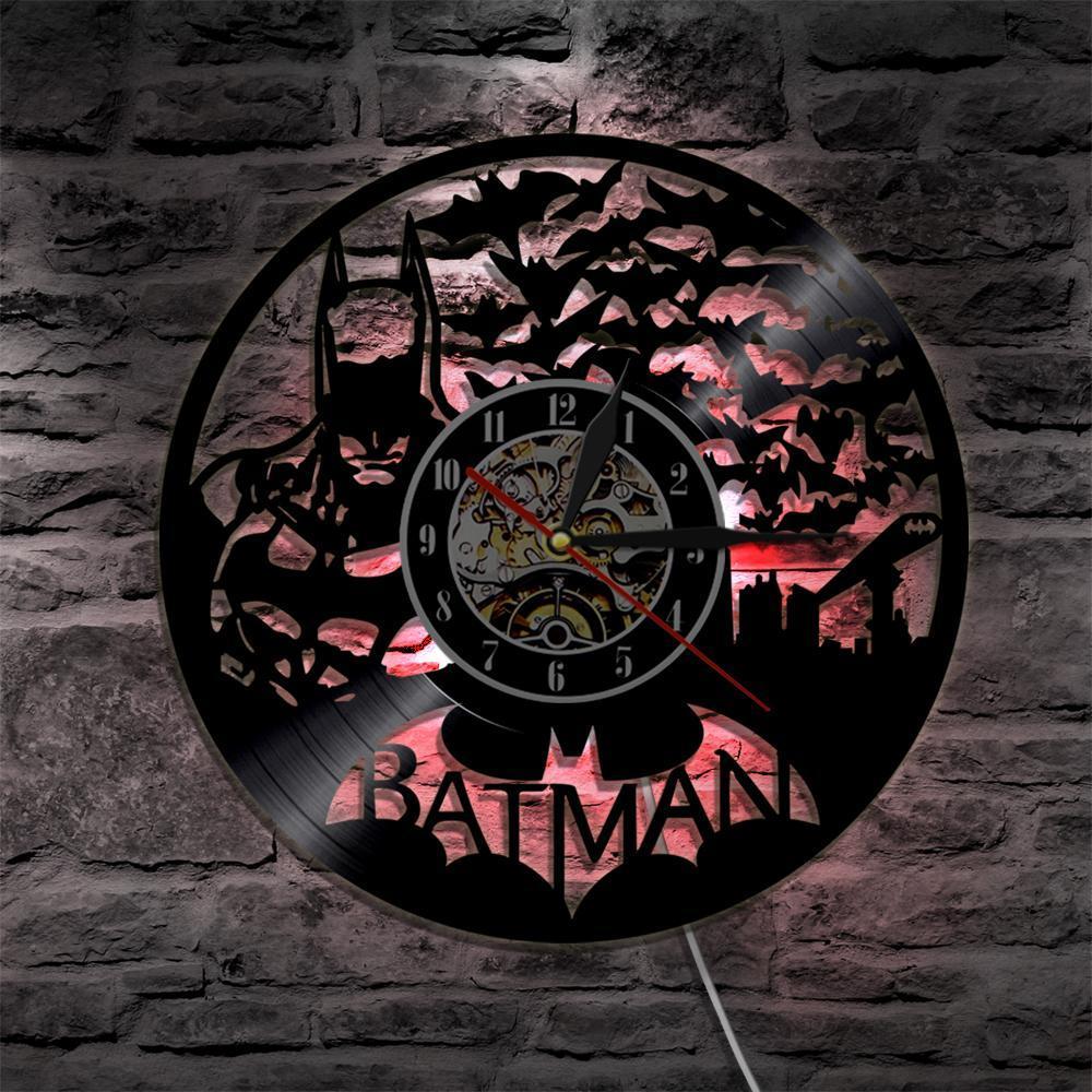 72082eb3deb7 Compre 2019 Batman Vinilo Reloj De Pared Atmósfera Luz Led Vintage Silueta  Registro Hecho A Mano Regalo Salón Interior Arte Decorativo A  28.15 Del  Yolymok ...
