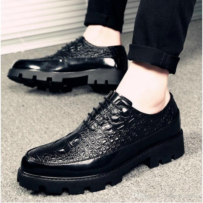 80881fe7853 Compre 2019 Nueva Moda De Lujo Zapatos De Negocios De Boda Hombres Zapatos  De Vestir De Oxford Modelo De Cocodrilo Hombres Formal LH 67 # 7995 A  $78.38 Del ...