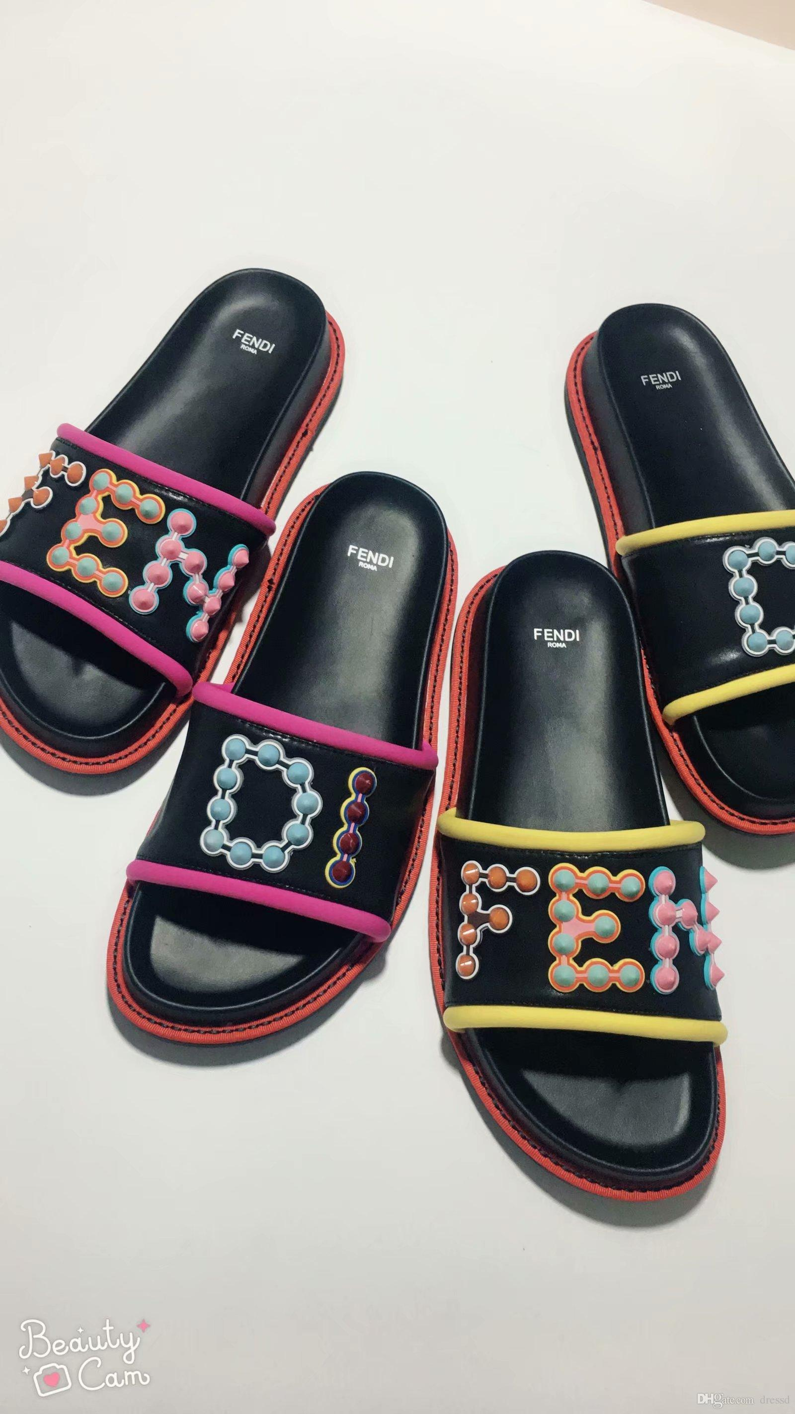 2019 new arrival mens and womens fun fair studded logo Slides sandals girls boys street fashion flat slippers 35-45