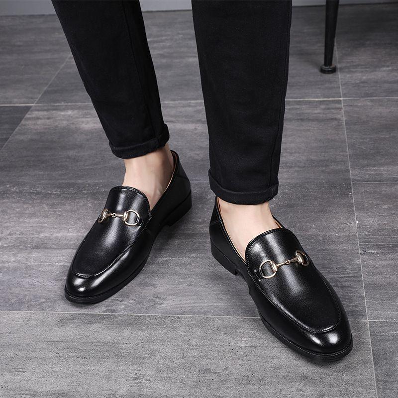 dd4174b283 Compre Novos Homens Vestido Mocassins Retro Elegante Negócio Formal Marca  Homens Sapatos Estilo Italiano Oxfords Veludo Confortável E Quente Sapatos  ...