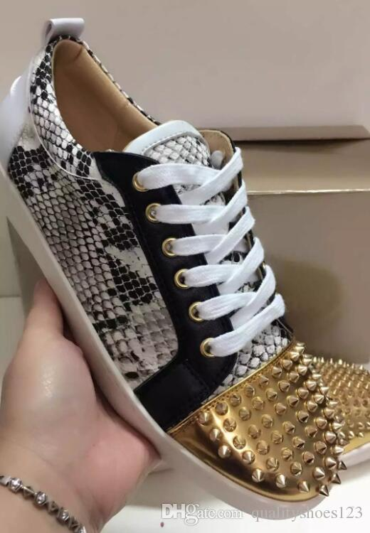 2019 designer hot fashion Studded Spikes Flats shoes Red Bottoms shoes Mens Womens Party Lovers Genuine Leather Sneakers