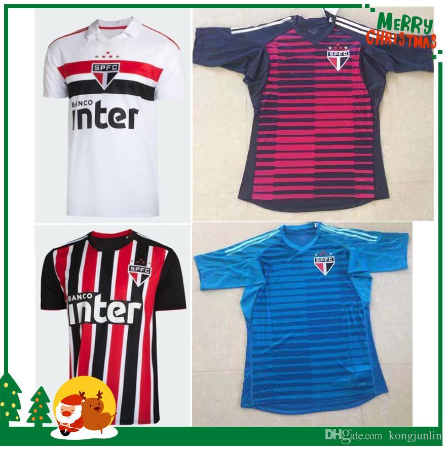 Compre 2018 2019 Brasil São Paulo Camisas De Futebol Thai Quality Home Away  Camisas 18 19 Brasil São Paulo Camisetas Camisas De Futebol De Kongjunlin e1ffbab2f4b9b