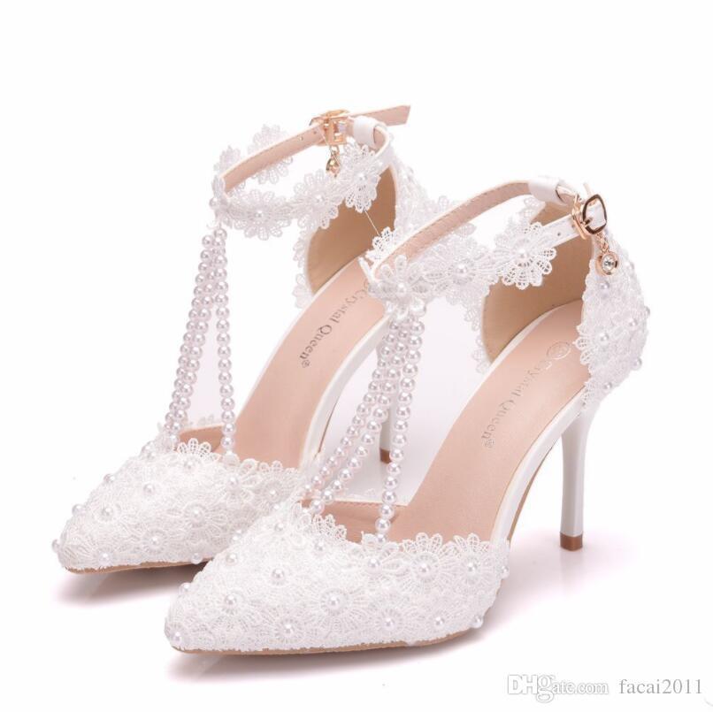 28cf6c8d02 Compre NOVA Flor De Rendas Sapatos Pérolas De Salto Alto Rodada Toe  Plataforma Sandálias Tornozelo Sapatos De Senhoras Sapatos De Noiva Sexy  Sandálias De ...