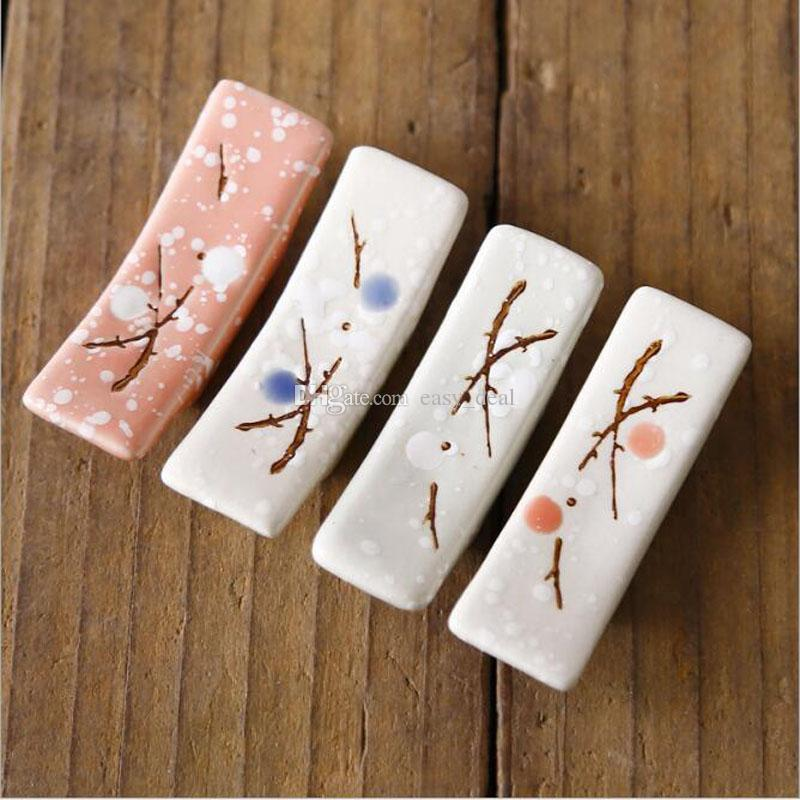 Japanese Style Ceramic Snowflake Design Chopsticks Holder Home Kitchen Chopstick Rest Stand Care Gadget Tools ZC0634