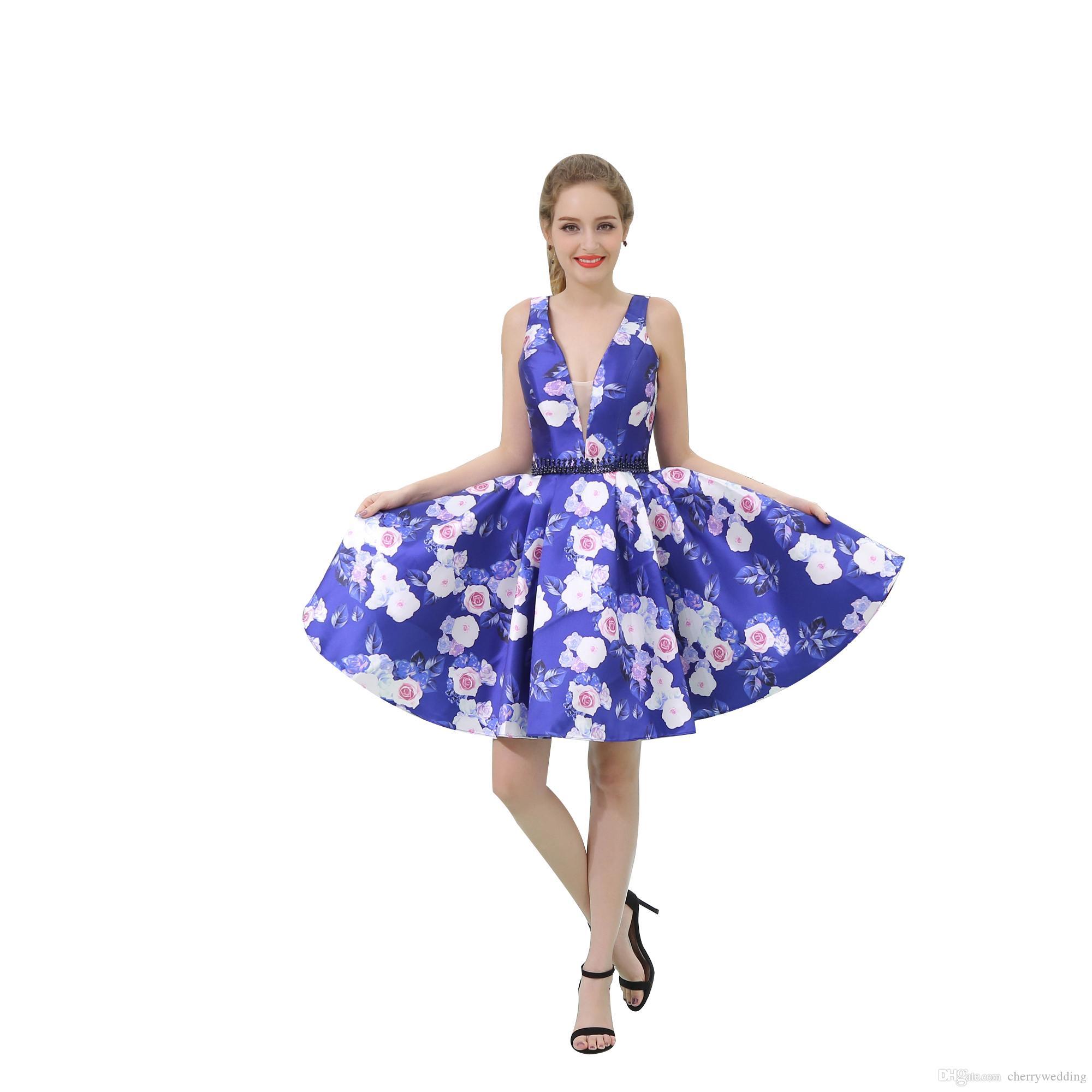 ba53bd989 Compre Imágenes Reales Estampado De Flores Tela De Moda Cortos Mini Vestidos  De Baile Rebordear Cintura Sheer Neck Homecoming Vestido Vestidos De Fiesta  ...