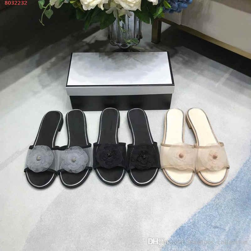 Spring/summer classic lady flat slippers,Fashionable slippers with breathable mesh and flowers , Size 35-41,Daily Use.