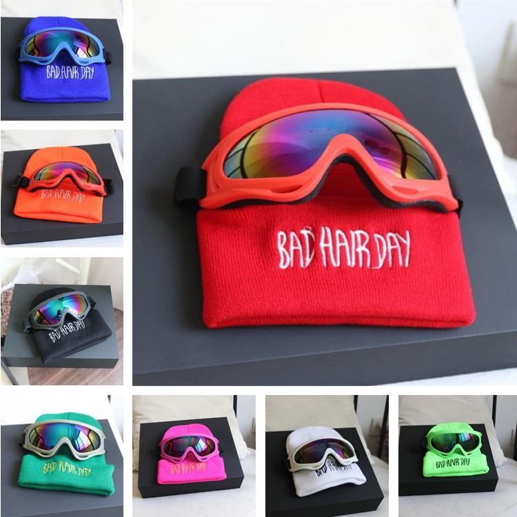 e919070c57cd7 Compre Novos Casais Chapelaria De Malha Chapéu Modelos Pai Filho Chapéu  Fluorescente Harley Espelho Óculos De Lã Boné De Festa Chapéus T8C002 De  Tina328
