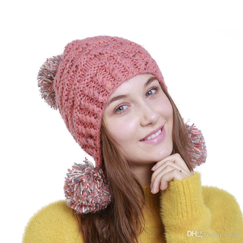 Compre Mulher Inverno Chapéu Beanie Pom Pom Bola Para Chapéus De Malha Cap  Skully Chapéu De Esqui Quente Na Moda Suave Marca Mulheres Bonés Grosso De  Tenni 8ee3d5ff223