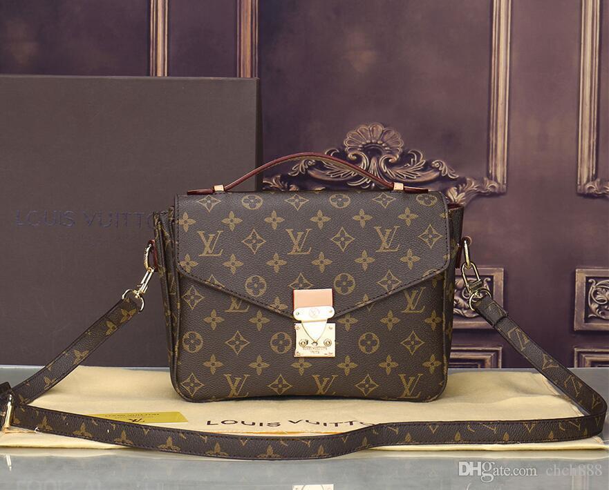 2019 Famous Design Small Shoulder Bag For Women Messenger Bags Ladies Retro  PU Leather Purse With Zipper Female Crossbody Bag A01 From Akshdbcv 733710b7e0ac9