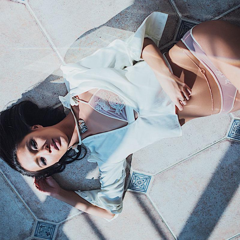 2шт женские бюстгальтеры наборы вышивка кружева крючком сетка прозрачное белье нижнее белье пуш-ап Мягкий бюстгальтер трусики горячие