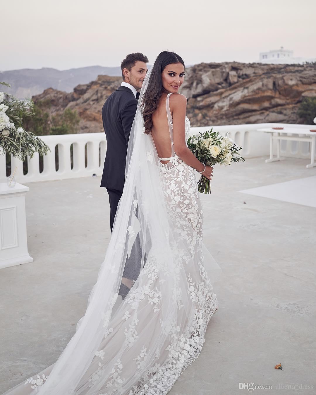 Risque Wedding Dress Photos: Backless Mermaid Beach Wedding Dresses 2020 V Neck 3D Lace