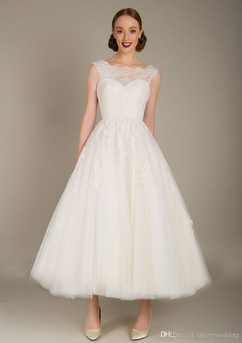 Lace and tulle wedding gown tea length wedding dress plus size wedding  dresses bridal gowns illusion neckline SW005
