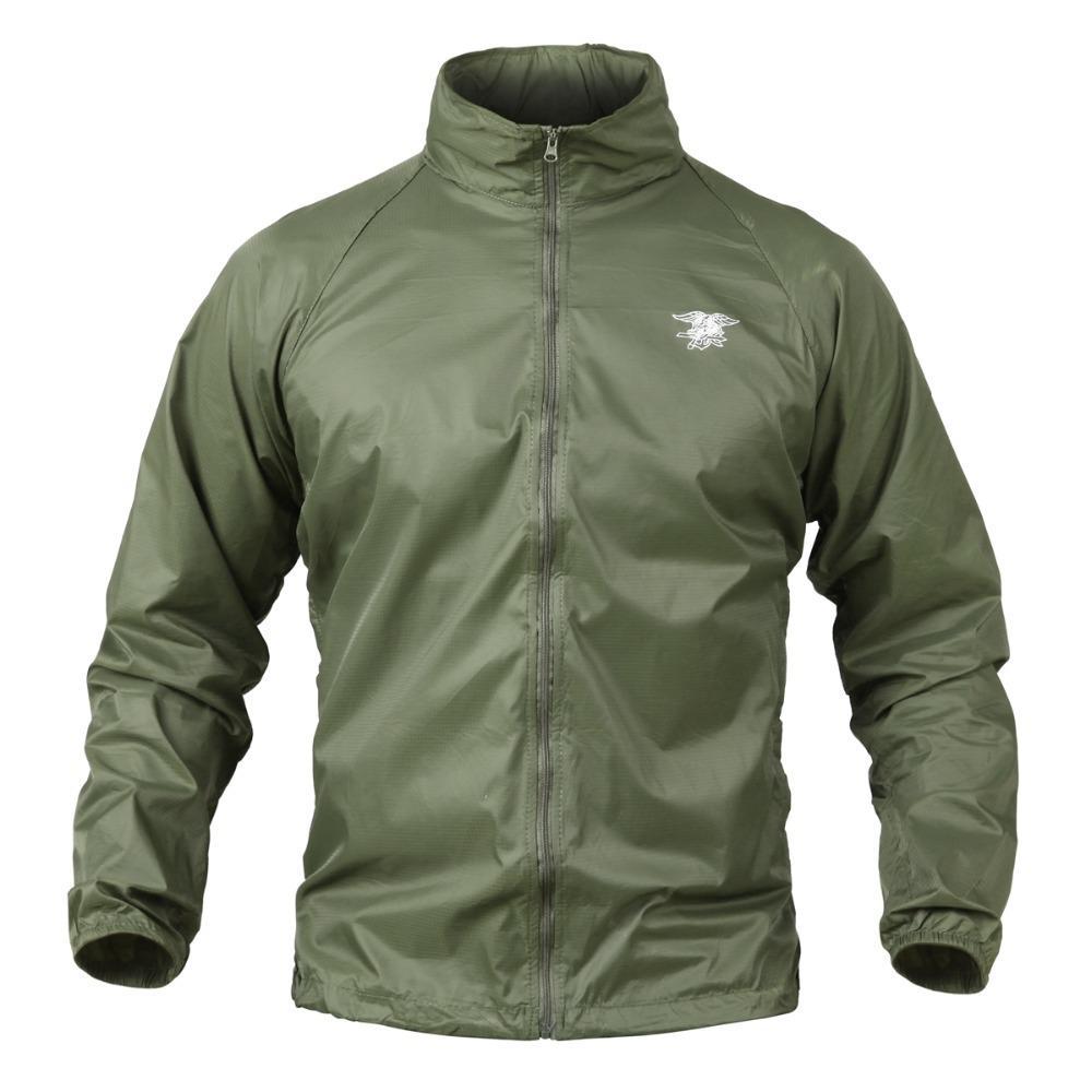 negozio online 589b8 a8eef Giacche da caccia impermeabili con cappuccio mimetico leggero impermeabile  e giacca mimetica leggera da uomo