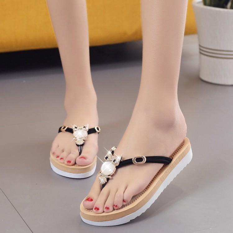 5ba98e3a3 Breathable 2019 Summer Ladies Beach Sandals Flat Soft Bottom Slippers Cat  Head Simple And Comfortable Sandals Womens Flip Flops Toddler Bedroom  Slippers ...