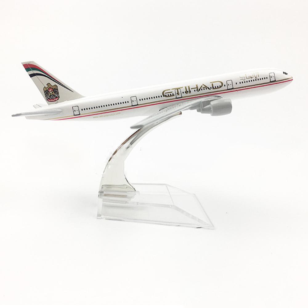 fcc68a9aac31 1 400 Scale Aircraft Boeing 777 Etihad Airways 16cm Alloy Plane B777 ...