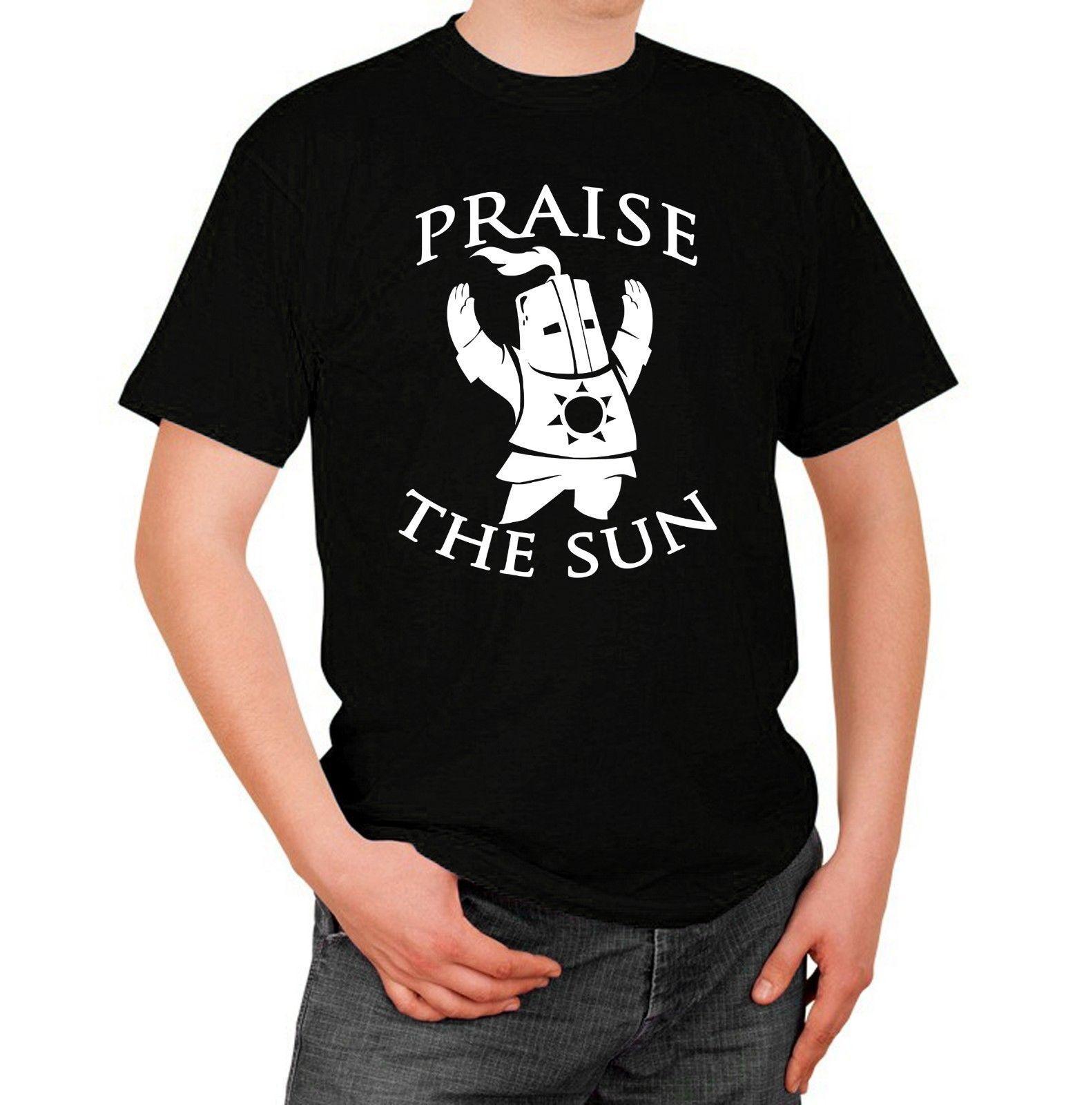 c20ea4008 Dark Souls T Shirt Maglia Praise The Sun Prega Il Sole Videogioco Gioco  Game Funny Casual Tshirt Graphic T Shirt Design Own T Shirt From  Funnybonetees, ...