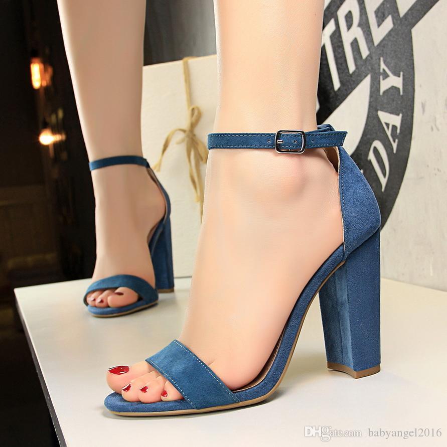 Compre 2019 Verano Elegante Moda Mujer 9cm Gruesos Tacones Altos Sandalias  Bloque Femenino Azul Púrpura Tacones Bombas Señora Strappy Chunky Zapatos A  ... 61b600747a54