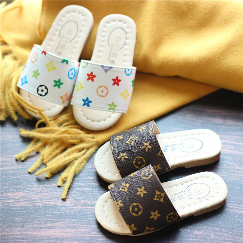 2019 new Korean girls shoes summer cartoon fashion slippers boys shoes baby shoes fashion high-end