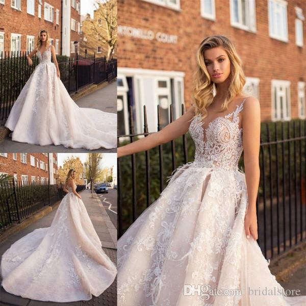 Vintage Lace Wedding Dresses Long Cathedral Train Elegant Appliques Sheer Neck Country Garden Backless Bridal Gowns Designer Beautiful Dress