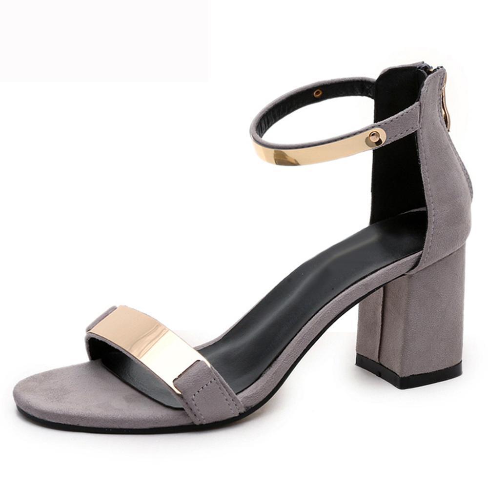 Compre Zapatos Para Damas Nuevo 2018 Verano Sandalias Atractivas Para  Mujeres Del Partido Tacones Altos Gruesos Zapatos De Boda Para Fiestas  Brillo Para ... 0b32ee2a221c