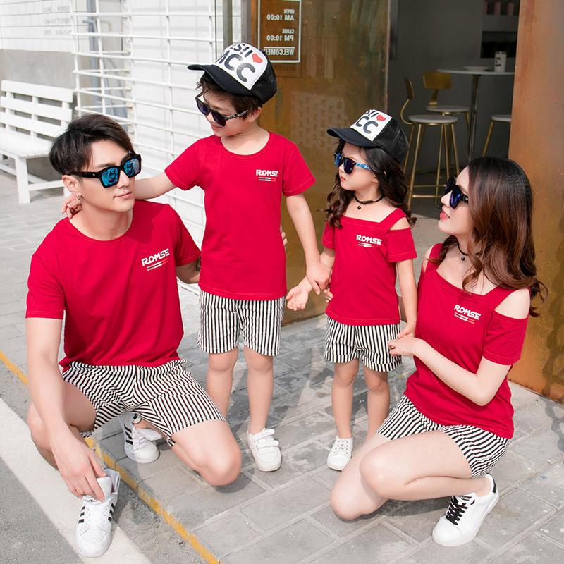 2018 Family Matching Clothing Set Red Short Sleeve T Shirt + Stripes Shorts 2pcs Mom Daughter Son Casual Clothes Set Y19051103