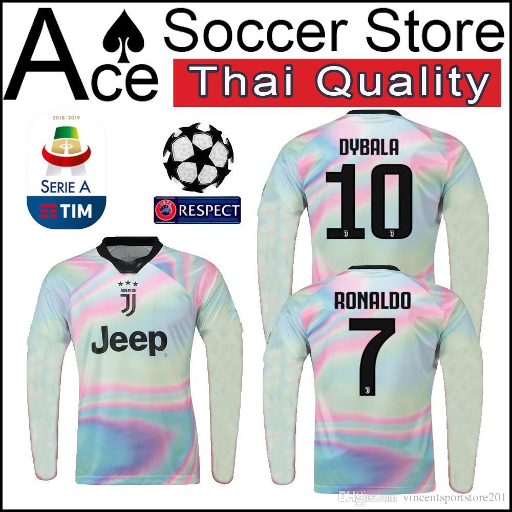 41364288f Compre 18 19 Edição Especial Juventus Manga Comprida CAMISA Personalizar  Camisa De Futebol 2018 2019 10 DYBALA 7 RONALDO 17 Camisas De Futebol  MANDZUKIC De ...