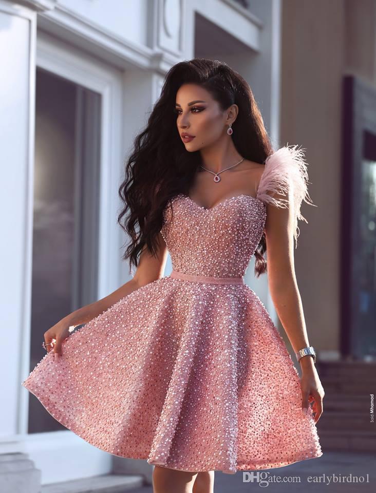 e019388300dc Nuevas perlas de lujo, color rosa, vestidos de fiesta cortos, 2019, estilo  árabe de Dubai, una línea de novia, longitud de la rodilla, cóctel, ...