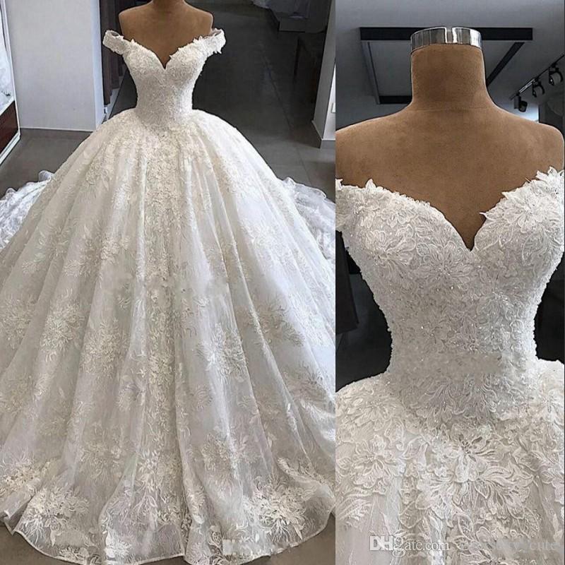compre vestidos de novia de encaje de estilo rural con las perlas de