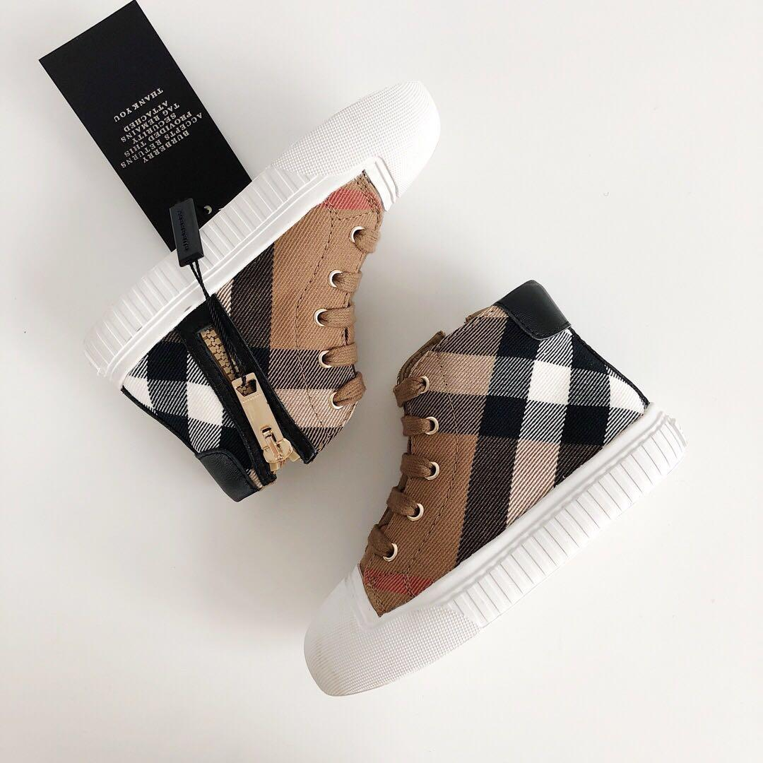 Kids Designer Shoes 2019 New Luxury Shoe Fashion Plaid Printed Shoes British Style High-top Trend Boys & Girls Teens Sports Shoes 5 Styles
