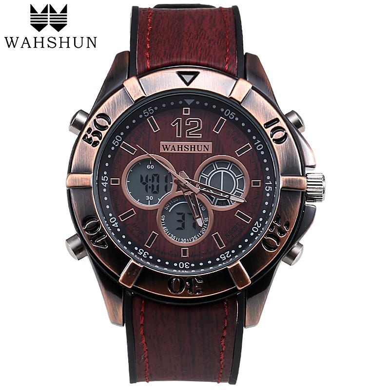 b7251ea2a68 Compre Novo Estilo Vintage Relógio Homens Dual Time Display À Prova D  Água  Clássico Relógios De Couro Casual Assista Homens Presente Relogios  Masculino ...