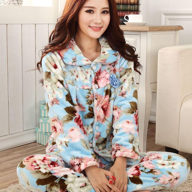 5d589bfe232c Compre Venta Caliente De Otoño De Franela De Las Mujeres Pijamas Establece Mujer  Turn Down Collar Ropa De Dormir Completa Para Las Mujeres Pijamas De ...
