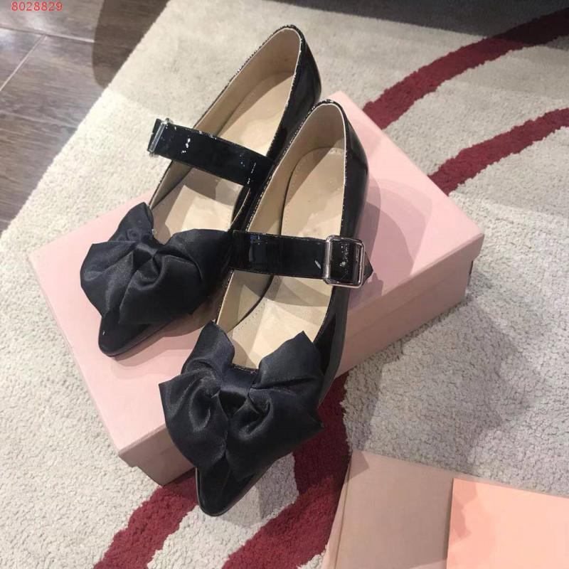 Melting princess shoe is tie-in bowknot buckle leather is recreational low with black pink woman piece shoe