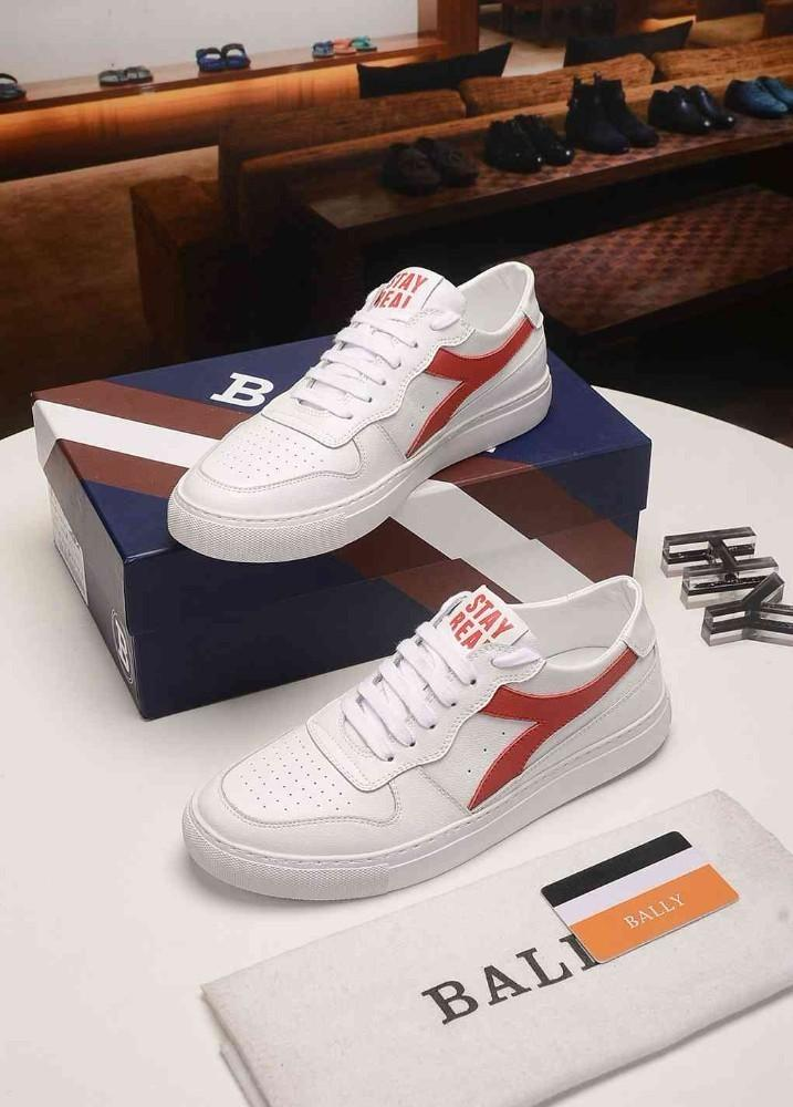Men's shoes Casual shoes models for men 2019 new products Sports style Perforated leather Y-letter deformation pattern