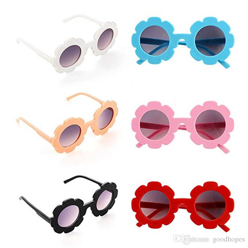 410b8eab4da4 Kids Sunglasses Children Cute Sunflower UV400 Protection Glasses Outdoor  Beach Colorful Eyewear Boys Girls Unisex Sunglasses Heart Shaped Sunglasses  ...