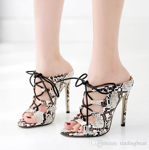 패션 뱀 곡물 중공 아웃 레이스 업 하이힐 여성 디자이너 신발 슬리퍼 슬라이드 크기 35 40으로