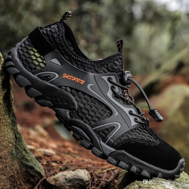 Walking outdoor mountain climbing drifting speed dry rock climbing anti-skid breathable traceable shoes