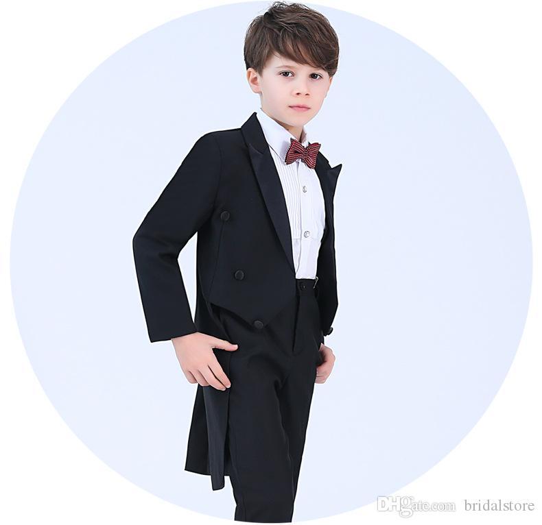 38bea921d11a Acquista Fine Black Boys Smoking Smoking Pianoforte Costume Ragazzo Vestito  4 Pz Bambini Abiti Formali Prima Comunione Abiti Da Sposa Ulzzang Anello  Bearer ...